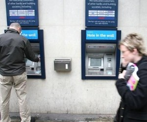 Fraudsters are targeting people at ATM's